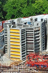 Concrete formwork and device on construction site
