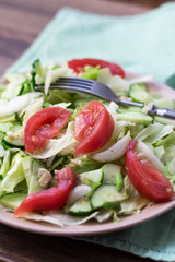 r salad with tomatoes, cabbage, cucumbers