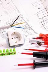 Elektrikerwerkzeug- und material