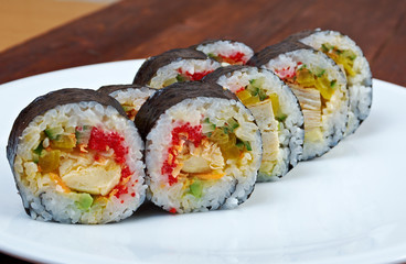 Roll made with chicken, eggs and vegetables