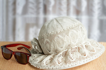 Female summer hat, points for protection against the sun for sum