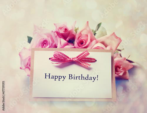 Fotobehang Bloemenwinkel Happy Birthday card with retro pink roses