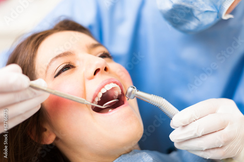 Leinwanddruck Bild Dental treatment