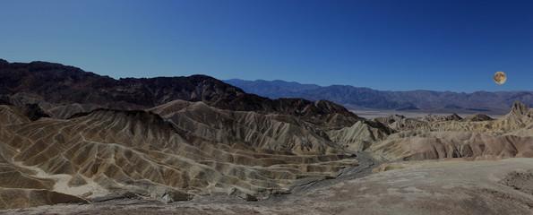 panorama sur crépuscule sur death valley