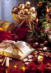 Verzierte Weihnachtstisch