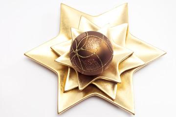 Weihnachtskugel auf Sternteller