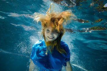 wirre Unterwasserfrisur