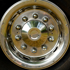 Chrome lorry hubcap
