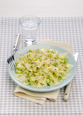 farfalle with zucchini and dried herbs