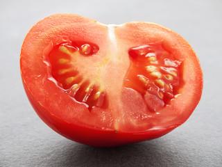 Angeschnittene Tomate