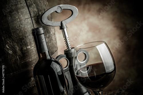 Zdjęcia wine glass bottle and barrel