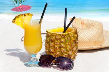 Fruchtige Cocktails am Strand.