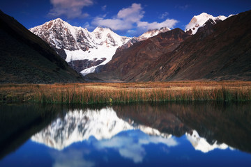 Jahuacocha Lake in Cordiliera Huayhuash, Peru, South America