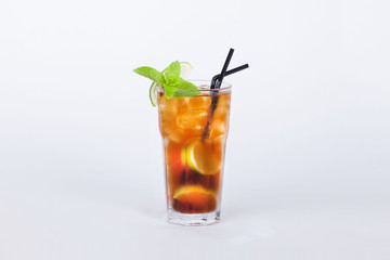 cola cocktail with lemon and mint