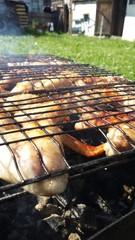 Приготовление куриных крылышек на мангале