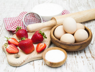 Ingredients for strawberries baked