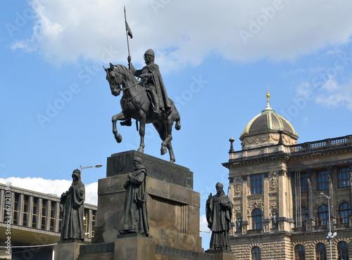 Leinwanddruck Bild Prague. Monument to Saint Václav against the National museum