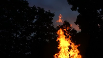 Campfire - high flames - with remaining sky