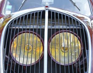 calandre de voiture ancienne