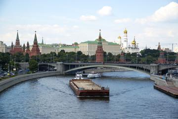 Москва-река. Вид на Кремль.