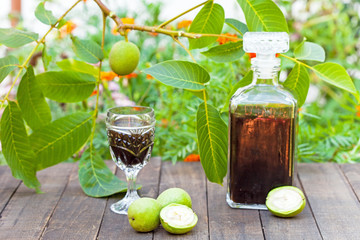 Walnut liqueur healthy for thyroid