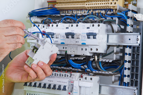 electrician - 67849149
