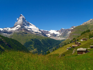 Saas Almagell und Matterhorn