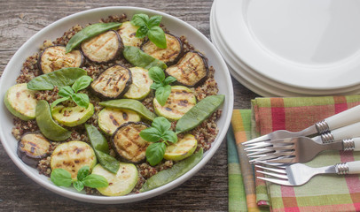 quinoa salad with grilled vegetables
