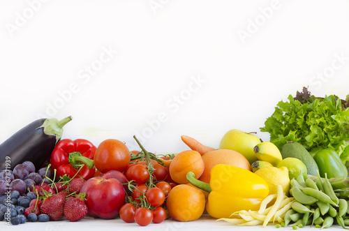 In de dag Keuken warzywa i owoce w kolorach tęczy