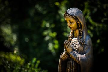 Maria aus Bronze