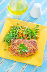 chicken breast with green peas