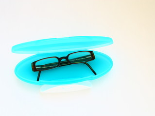 étui de lunettes turquoise,mode,isolé,fond,blanc,