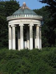 Il Monopteros nel Giardino Inglese di Monaco di Baviera
