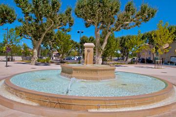 fontaine ronde bolléne drôme