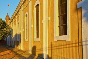 Sevilla, fachada de la fábrica de Artillería, atardecer
