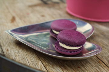 Blackberry macarons
