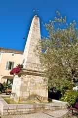 fontaine de l'obélisque drôme