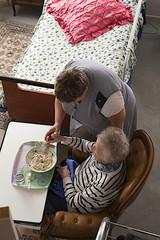 troisième age -assistance au repas