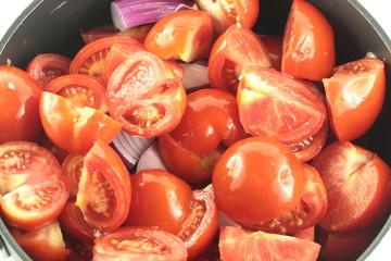Pentola di pomodori