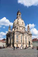 Dresdner Frauenkirche hoch