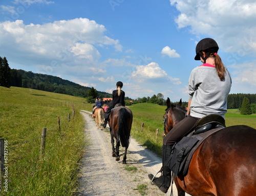 Leinwandbild Motiv Mädchen, Ausritt, Pferde
