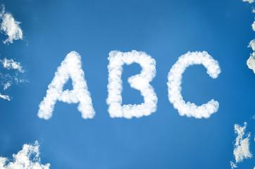 ABC aus Wolken