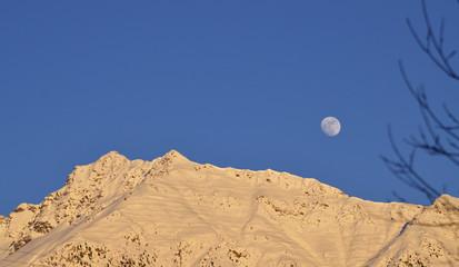 luna e montagna