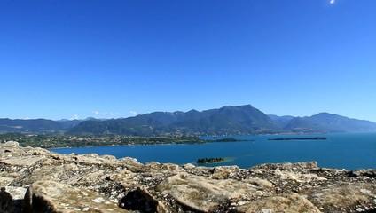 Panorama con Isola di San Biagio, lago di Garda