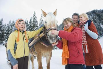 Familienstehenden Pferd,Lächeln