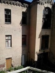 Руины в городе