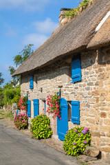 Chaumières bretonnes au village de Kercanic, Finistère, Bretagne
