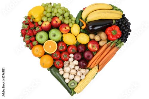 canvas print picture Obst und Gemüse als Herz Thema Liebe und gesunde Ernährung