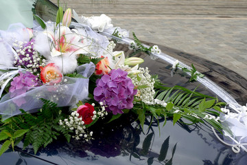 voiture de mariée décorée