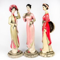 Dolls made ​​from ceramic female figure